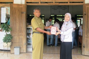 Wakaf Qur'an untuk SMKN 1 Bringin Ngawi