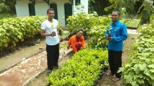 LAZIS UNS Berbagi 1.650 Bibit Pohon